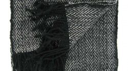 echarpe noire et blanche