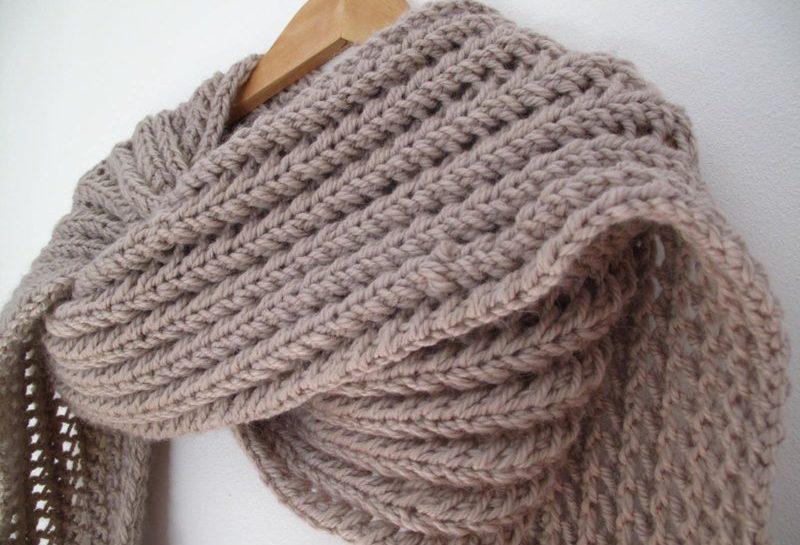 echarpe tricotée